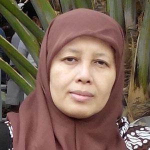 Dr. Nanik Sulistyani, M.Si., Apt.